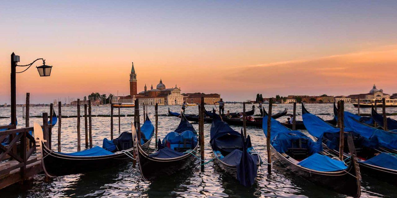 Ponte dei Santi nella Venezia dei misteri